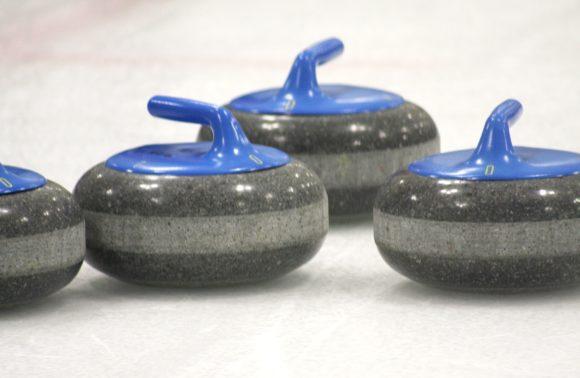 Curling luonnonjäällä